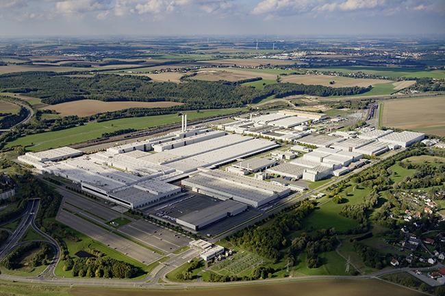 Vista aérea de la planta de Volkswagen en Zwickau (Sajonia).