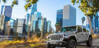 El nuevo Jeep Wrangler 4xe ha mejorado sus legendarias capacidades off road, gracias, entre otras cosas, a sus dos motores eléctricos.
