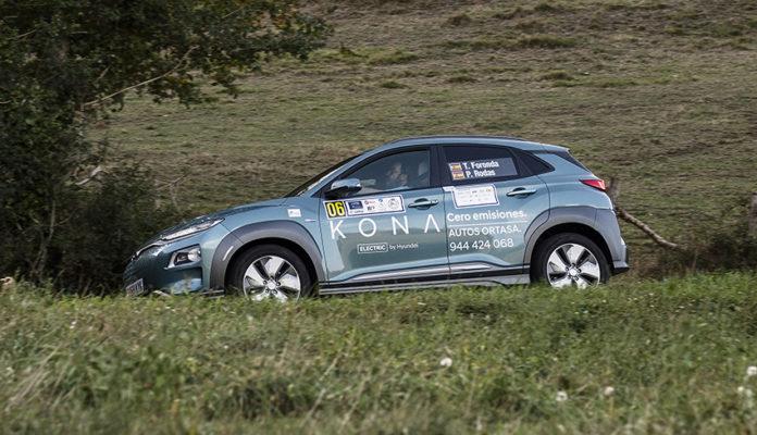 Txema de Foronda y Pilar Rodas - Hyundai Kona EV-, ostentan el título de vencedores de la pasada edición del Campeonato de España de Energías Alternativas, en la categoría de VE.