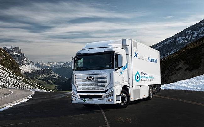 Hyundai planea la producción y entrega de 1.600 camiones de hidrógeno para 2025 en Europa.