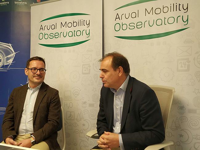 Manuel Orejas, dcha, y Eduardo Lahoz, izda, durante la presentación virtual.