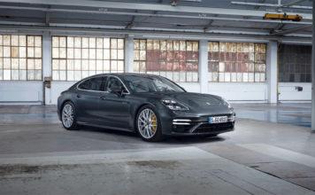 La versión más potenete de los nuevos Porsche Panamera PHEV, la Turbo S E-Hybrid, ofrece una potencia de 700 CV y 870 Nm de par máximo.