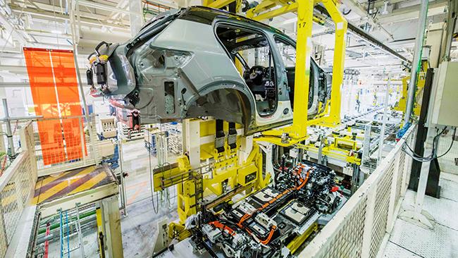 Producción del Volvo XC40 Recharge en Gante (Bélgica).