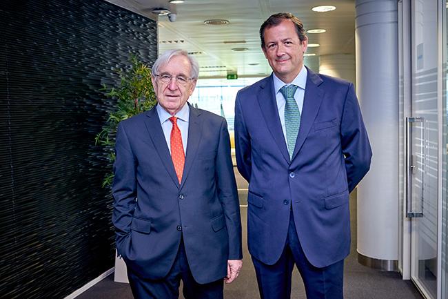 Izda: Agustín García, presidente de la AER desde 2020 hasta julio de 2020. Dcha: el actual presidente, José-Martín Castro.