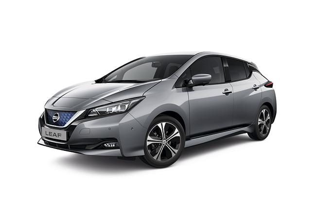 El modelo ofrece, como novedad, el color Gris Katana, que se puede combinar con techo negro.