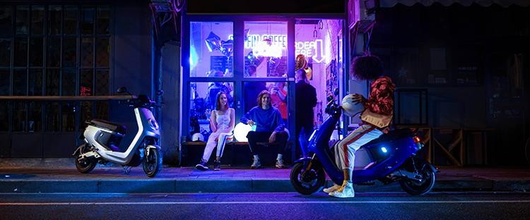Con los planes de ayudas a la compra, como el de la Comunidad de Madrid, el scooter puede costar 1.299 euros.