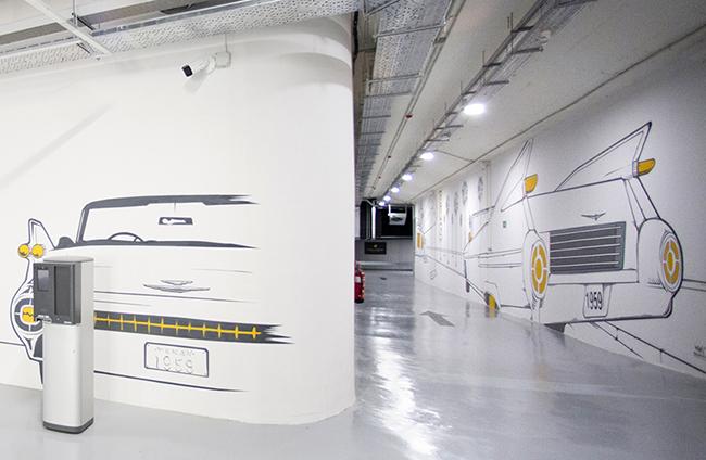 El aparcamiento está preparado para que todas sus plazas tengan un punto de carga de VE.