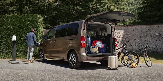 El vehículo no pierde las características de las versiones térmicas.