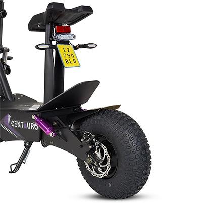 Circula hasta 45 km/h y tiene 100 km de autonomía.