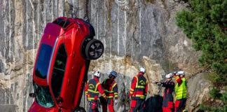 Volvo ayuda en la preparación de los equipos de rescate de todo el mundo con sus crash test.