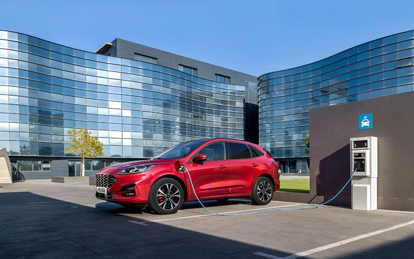 Ford Kuga PHEV. hibridos enchufables más baratos