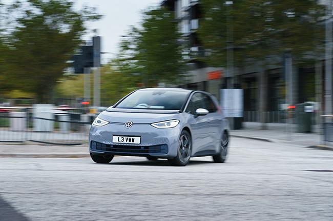 ID.3, el vehículo más vendido de la ofensiva eléctrica de Volkswagen, contando todas las marcas.