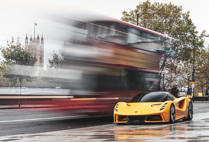 Nuevas imágenes del hiperdeportivo Lotus Evija tomadas en Londres.