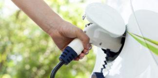 España está en los últimos puestos europeos en el avance de la electromovilidad, según el Barómetro de ANFAC.