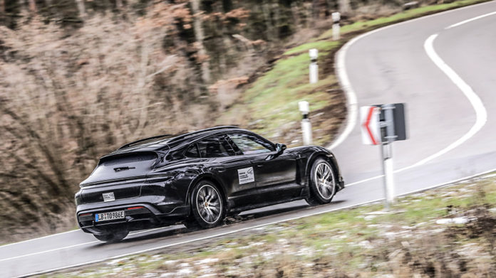 Nuevo Porsche Taycan Cross Turismo.