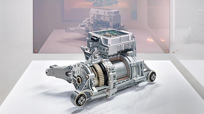 Transmisión. Motor eléctrico de Porsche.
