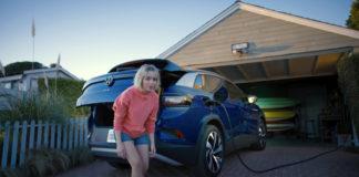 """Campaña de Volkswagen: """"Antes de que pueda cambiar el mundo, tienes que cambiar el tuyo""""."""