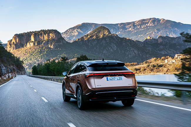 El diseño futurista del Nissan Ariya ha atraído a muchos interesados en Europa.