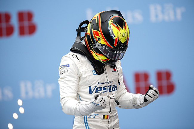 Race Winner Stoffel Vandoorne (BEL), Mercedes Benz EQ, ganador de la segunda carrera de Roma.