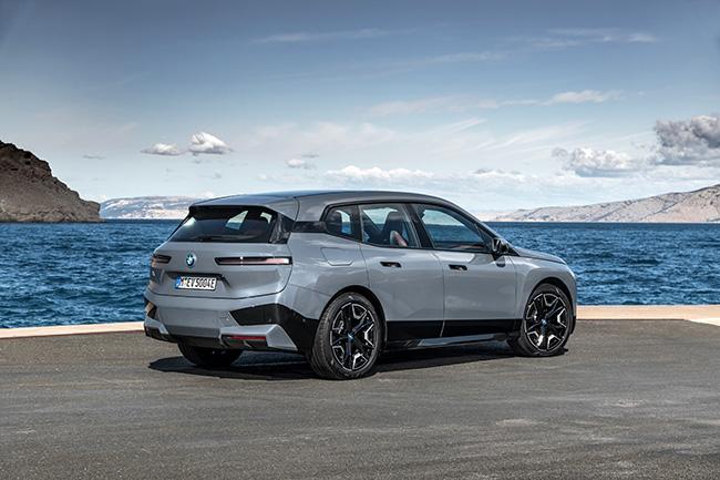 BMW iX50.