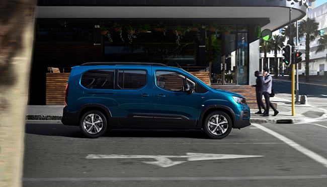 furgoneta electrica Peugeot e-Rifter.