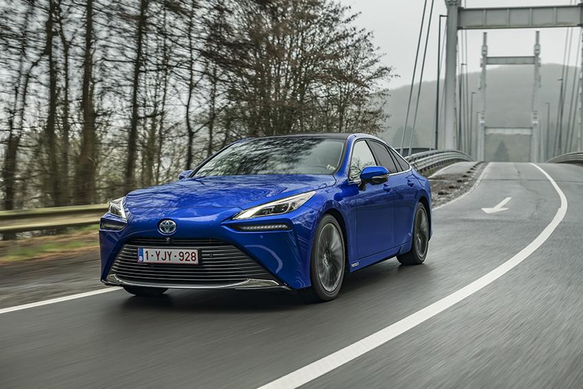 Toyota España se ha unido al proyecto de la Federación Profesional del Taxi de Madrid con sus Mirai de hidrógeno.
