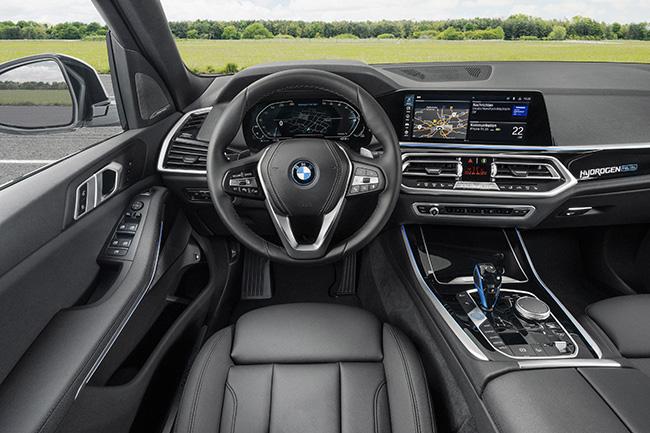 BMW iX5 Hydrogen, interior.