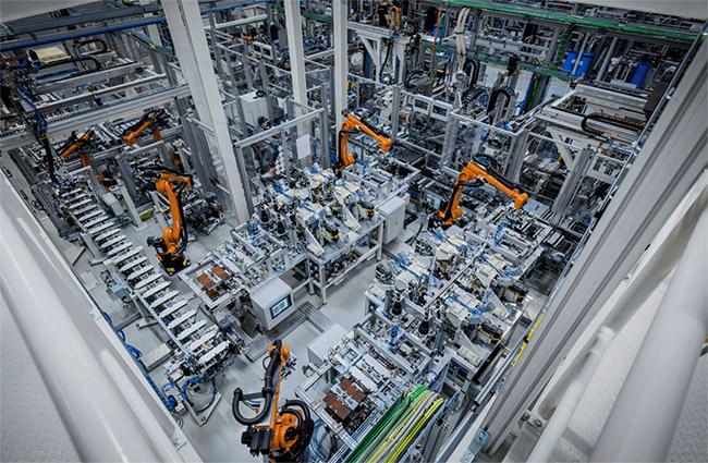 La red global de producción de baterías de Mercedes-Benz incluirá nueve fábricas de baterías en tres continentes.