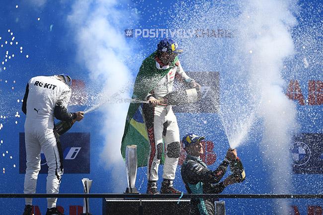 Podio de la carrera número 14: Edoardo Mortara (CHE), Venturi Racing, Lucas Di Grassi (BRA), Audi Sport ABT Schaeffler, y Mitch Evans (NZL), Jaguar Racing.
