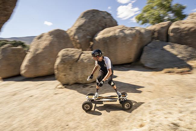Mountain Rhino skate electrico