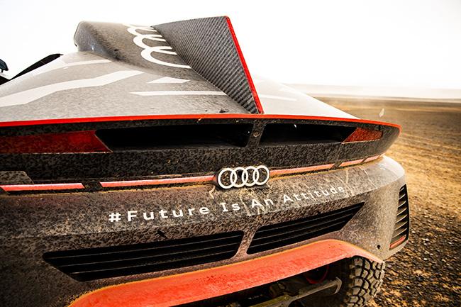 Audi prueba el prototipo del Dakar
