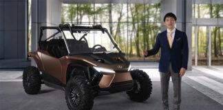 Hiroo Togashi, director general de Global Lexus Bran Management, presenta el ROV.